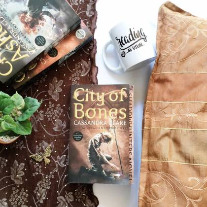 Review  City of Bones by Cassandra Clare   WTF  The Mortal Instruments